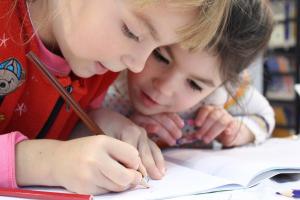 bambini quaderno scrivere cooperative