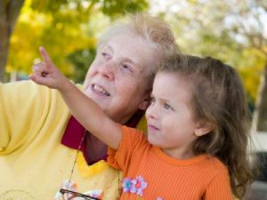 nonni e nipoti insieme