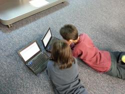 bambini computer.jpg