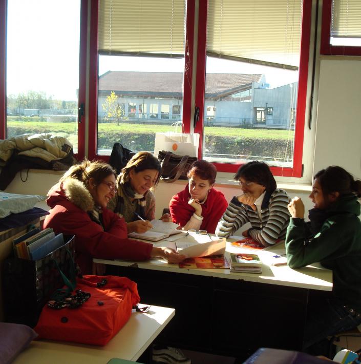 insegnanti in riunione