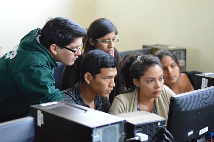 studenti multilingue gruppo classe