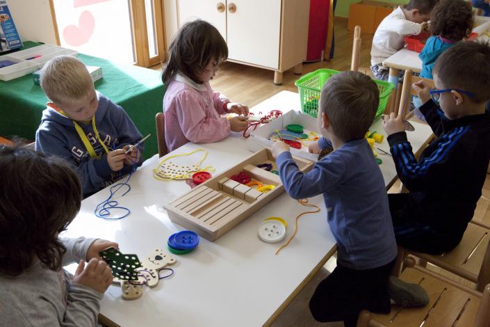 gruppo sezione infanzia bambini
