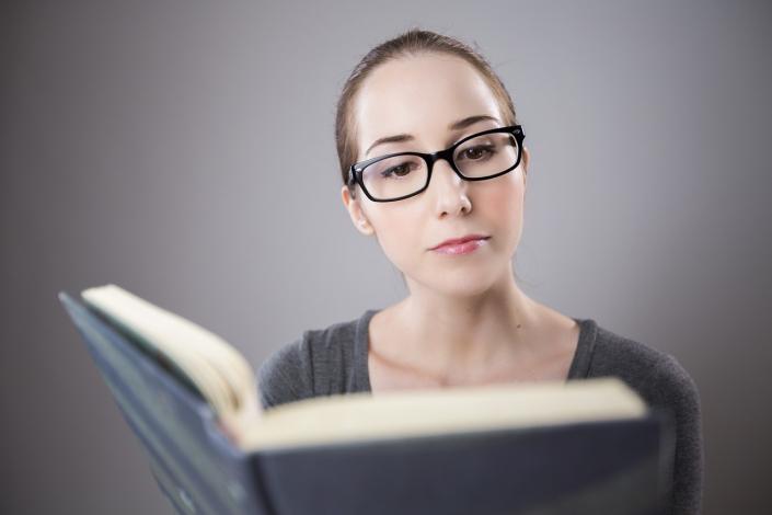 lettura libro insegnante