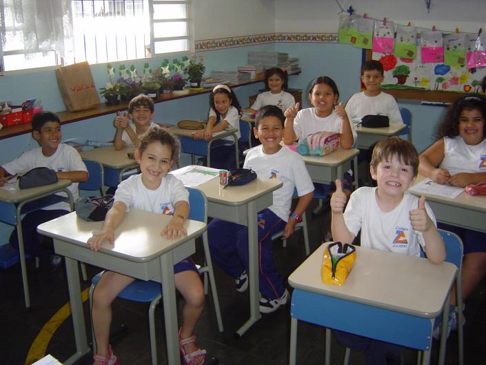 classe bambini scuola gruppo lezione