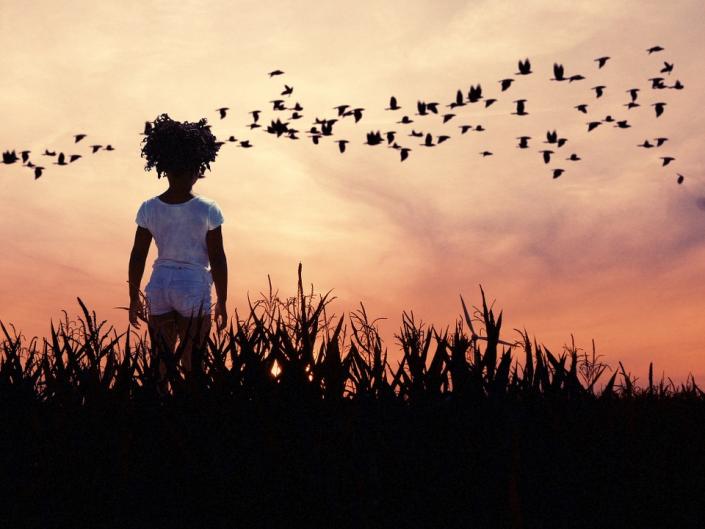bambina tramonto