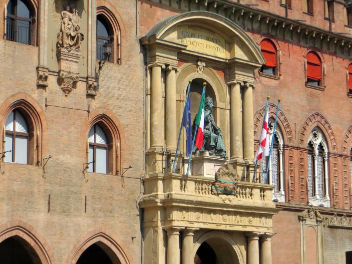 palazzo d accursio bologna