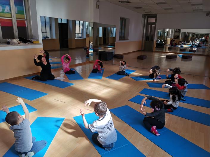 yoga Sada  cerchio