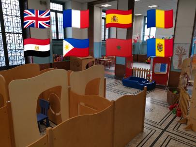 salone con bandiere