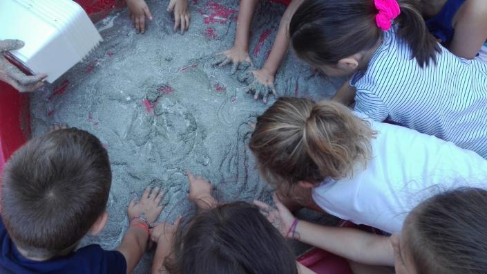 gruppo bambini amicizia Dondoli