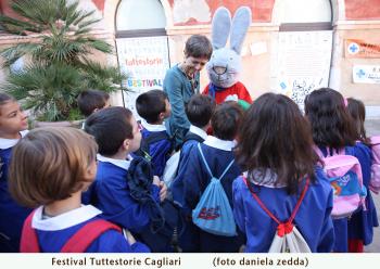 Dalla scorsa edizione del festival: i bambini con Giulio Coniglio